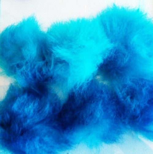 Sheepfleece som är färgad och denna gång blev det Kingsfisher blue